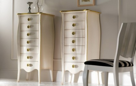 Chest of drawers 717/G